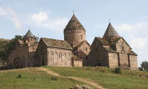 Luostari Armeniassa.
