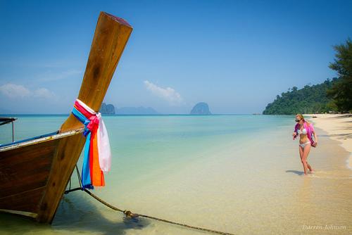 thaimaa-koh-ngai-bikini-girl-darren-johnsen