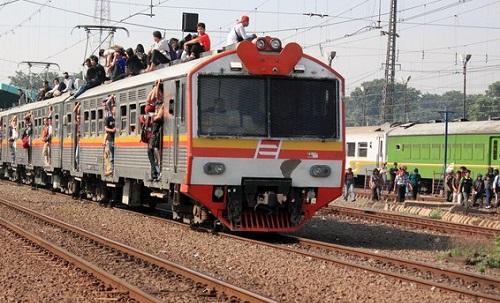 Paikallisjuna Indonesiassa