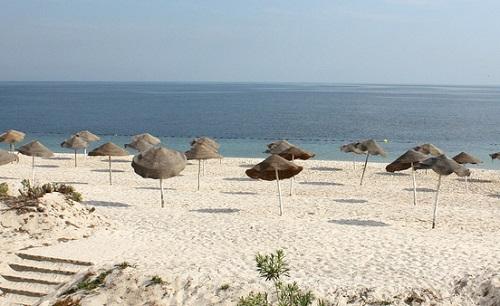 Ore 8:30 del mattino, in terrazza dopo la colazione. Spiaggia? :)