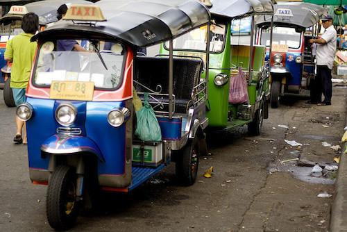 Tuktuk-takseja