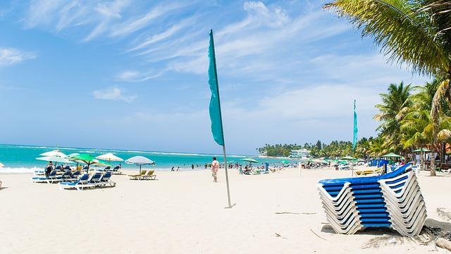 beach-853903_640